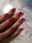 rouge--or-petale-noir-2